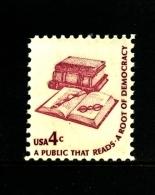 UNITED STATES/USA - 1977  4c.  A PUBLIC THAT READS  MINT NH - Stati Uniti