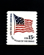 UNITED STATES/USA - 1975  15c.  FLAG FORT MC HENRY COIL PERF. 10 VERT  MINT NH - Stati Uniti