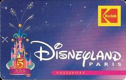 Rare Passeport Disneyland Paris  5 Ans Kodak Gratuit Valide Du 8/06/97 Au 14/06/97 - Eintrittskarten