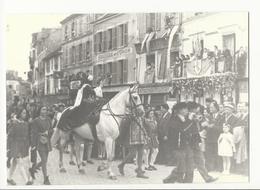 Photo (reproduction - 1946) : Reconstruction Historique D'un Défilé, Place De L'étape à Fontainebleau - Reproductions