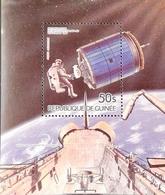Guinea 1985 Apace Achievements S/S - Guinea (1958-...)
