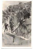 TYPE CARTE PHOTO GAY GOUTTET CHAMONIX MONT BLANC Ascension Du Mont-Blanc Passage D'une Echelle - Chamonix-Mont-Blanc