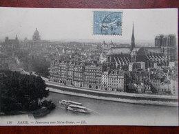 75 - PARIS - Panorama Vers Notre Dame. (la Cathédrale - La Seine Et Les Bâteaux Mouches) - Notre Dame De Paris