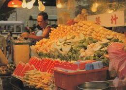 Postcard Singapore Night Time Fruit Stall [ Market ]  My Ref  B23555 - Singapore
