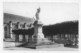 BREHAL - N° 1.932 - LE MONUMENT AUX MORTS AVEC VIEILLE VOITURE - FORMAT CPA NON VOYAGEE - Brehal