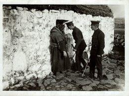 WHISKY ALCOHOL ILEGAL  POLICE DEPARTMENT UK ALCOOL     Fonds Victor FORBIN (1864-1947) - Otros