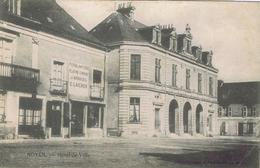 72 - Noyen-sur-Sarthe - Hôtel-de-Ville - France