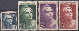 FRANCE - 1945/1947 - Lotto Composto Da 4 Valori Nuovi MNH: Yvert 725, 730, 731 E 732. - Nuovi