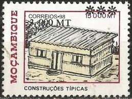 MOZAMBIQUE 2001 - Mi. 1557 O, Cabin | Typical Constructions | Buildings | Landscapes - Mozambique