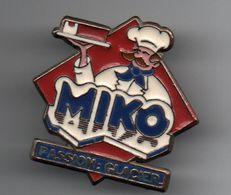 PIN'S Glace Miko,signature Au Dos à Identifier .....BT10 - Lebensmittel