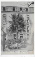 LOURDES - HOTEL PEYRAMALE - TROUETTE BARTHE AVEC PERSONNAGES - CPA NON VOYAGEE - Lourdes