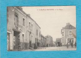 Saint-Jean-sur-Mayenne. - La Place. - Café-Tabac. - France