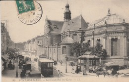 77 - FONTAINEBLEAU - La Grande Rue Et L' Eglise - Fontainebleau