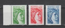 FRANCE / 1981 / Y&T N° 2154a + 2155b ** + 2156b ** : Sabine (3 TP) - Gomme (tropicale = Mate) D'origine Intacte - France