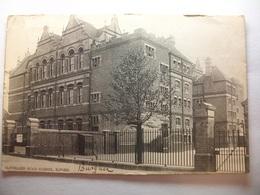 Carte Postale Angleterre - Cleveland Road Scholl , Ilford  (Petit Format Noir Et Blanc Oblitérée 1905 Timbre One Penny ) - London