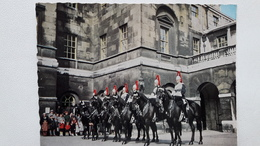 Angleterre Whitehall The Royal Horse Guards At Changing Of The Guard - London