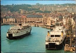 Dieppe - Le Port, Les Cars-ferries, Les Arcades . - Dieppe