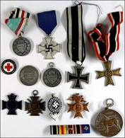 Kleiner Orden-, Abzeichen- Und Medaillennachlass Mit U.a. Verdienstmedaille Preußen, Eisernes Kreuz 2. Klasse Ausgabe 19 - Books, Magazines  & Catalogs