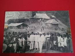 CONGO BELGE LE MINISTRE DES COLONIES DANS UN POSTE D ACHAT TENU PAR UN CAPITA NOIR - Congo Belge - Autres