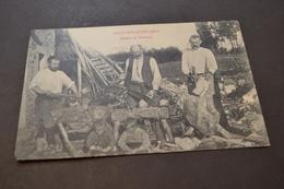 Carte Postale 1908 ST Nicolas Des Fiefs Atelier De Saboterie - Autres Communes