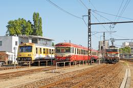 Chalon Sur Saône (71) 4 Août 2009 - La BB 25653 Et Les Autorails X 4786 & X 4560 Au Dépôt De Chalon Sur Saône - Trains