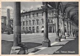 Cartolina Imola Palazzo Comunale 1955 Portici - Bologna