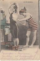La Vie Balnéaire (dame Baigneuse Sein Nu, Colorisée, Edit. J N 1904....feuillets Décollés) - Oostende