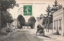 77 La Ferté Gaucher Faubourg De Paris Cpa Carte Animée Attelage - La Ferte Gaucher