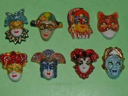 Lot De 8 Feves / Masques De Venise , Filet OR  TB3 - Fèves