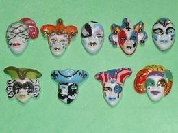 Lot De 9 Feves / Masques De Venise , Filet OR  TB3 - Fèves