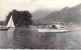 """74 - ANNECY : Vedette Rapide """" MONT VEYRIER """" Le Parmelan ( Bateau Promenade ) CPSM Dentelée N/B PF - Haute Savoie - Annecy"""