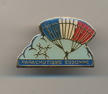 PARACHUTISME ESSONNE - Paracadutismo