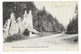 PONTARLIER  (cpa 25)  Les Dames De Entreportes   -  L 1 - Pontarlier