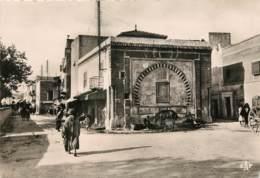 TUNISIE - BIZERTE - Fontaine Sur La Place De France - Tunisie