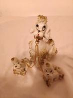 Chienne Caniche Avec Ses Petits Déco Vitrine (dans L'état Chaine à Rattacher) - Autres Collections