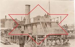 Photo 14-18 BREST - Départ Des Soldats Américains, Avant L'embarquement Sur L'USS Imperator (SS) (A210, Ww1, Wk 1) - Brest