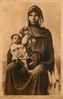 NU - Ethnic Ethno - Femme Indigène Seins Nus Allaitant - Nude - Egypt Egypte - Egypt