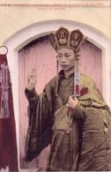 CPA Du Tonkin - Hanoï. Haïphong. Prêtre De La Religion De Bouda Faisant Un Sermon. N° 245 A. Colorisée. T Bon état. - Viêt-Nam