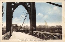 Cp Le Mas D'Agenais Lot Et Garonne, Entree Du Pont, Apercu Sur Le Mas - Autres Communes