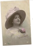 73 -   Jeune Dame - Chapeau - Mode