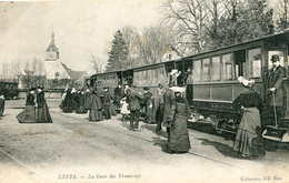 LEVES   =   La  Gare Des Tramways  643 - Lèves