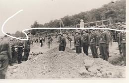 14 Luftwaffe Houx Mont Noir Inhumation D'aviateurs En 1944.2e Guerre Aviation . Repro - 1939-45