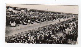 Avr19   84577     Photo 24 H Du Mans 1954 Départ Des Pilotes   Pub Biscottes Dreux Le Mans - Le Mans