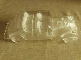 Tres  Belle Voiture Traction Citroen En Verre  20 Cm - Verre & Cristal