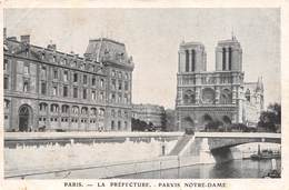 Carte Postale PARIS (75) Cathédrale Notre-Dame Et Préfecture 1163-1260 Flèche Tombée 15-04-2019-Religion-Eglise - Chiese