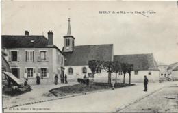 D77 - EVERLY - LA PLACE DE L'EGLISE - Carte Animée - France