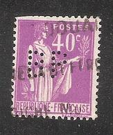 Perforé/perfin/lochung France No 281 BP  Société Générale Des Huiles De Pétrole (146) - Perforés