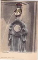 BRUXELLES. MANNEKEN PIS EN GRANDE TENUE. COLORISEE. NELS - CPA CIRCA 1904s - BLEUP - Panoramische Zichten, Meerdere Zichten