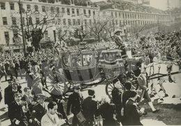 1957 VERY RARE QUEEN ELIZABETH II VISIT - ROSSIO - LISBON - PORTUGAL. ORIGINAL REAL PHOTO - Lieux
