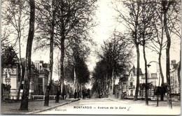 45 MONTARGIS - échappée Sur L'avenue De La Gare. - Montargis